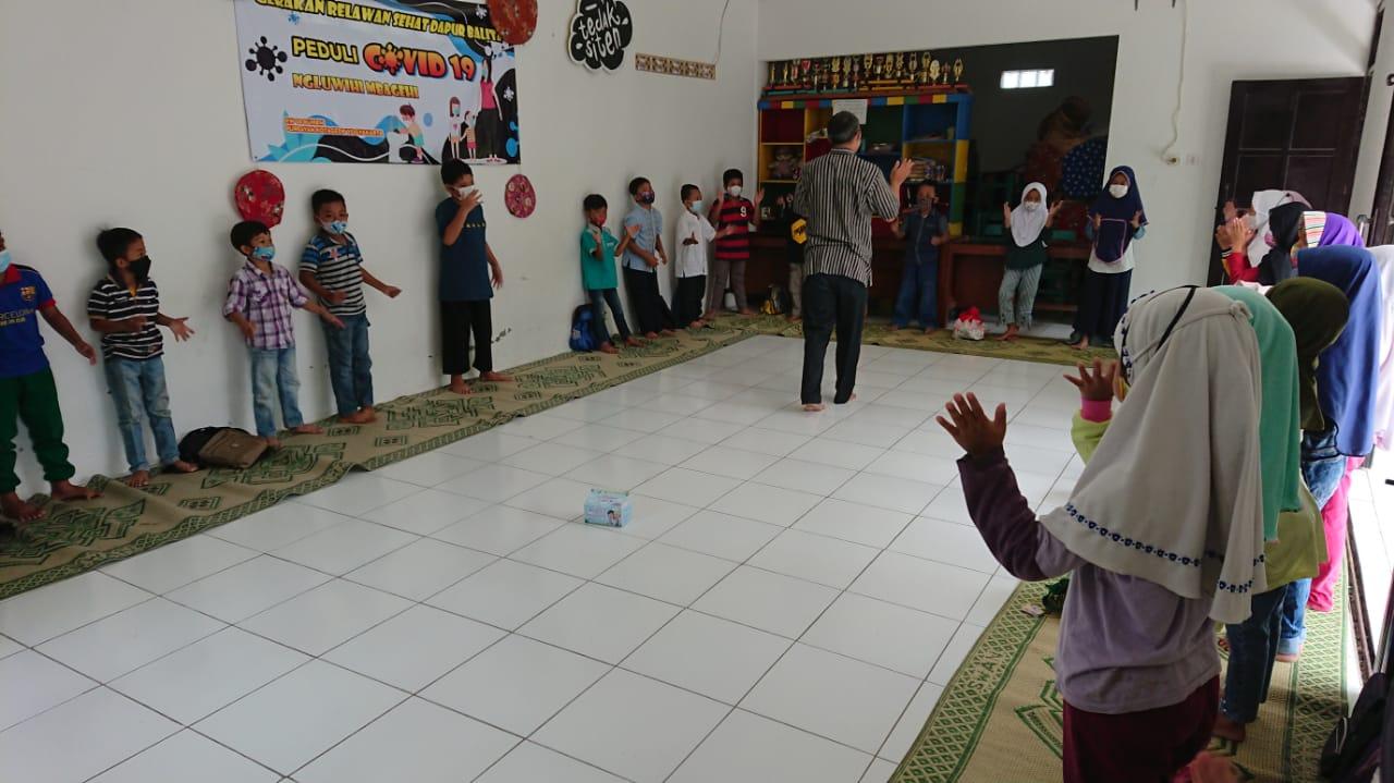 Kegiatan Reinteraksi sosial kelompok 2 di Balai rw.06  Kel.Purbayan
